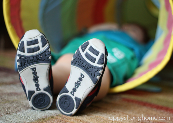 fitting kids shoes correctly
